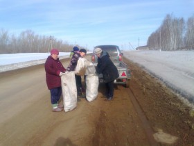 На территории сельского поселения начались еженедельные экологические субботники и «Чистые четверги». Принято постановление об организации мероприятий благоустройства в рамках двухмесячника